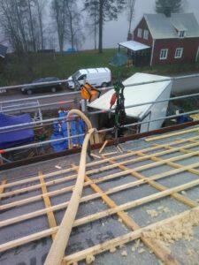 Lösullsisolering av tak